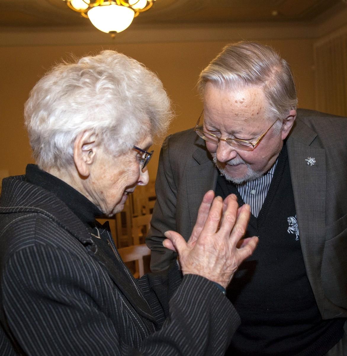 R. Bukaveckienė ir V. Landsbergis